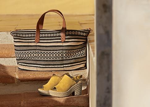 Shoppa Svarta Boots Med Klack för låga priser online   75