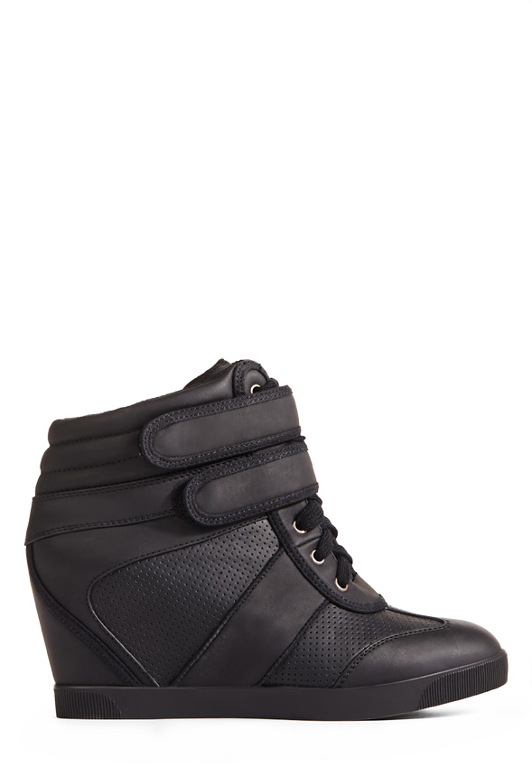 3d98359149b923 Dax Shoes in Black - Get great deals at JustFab