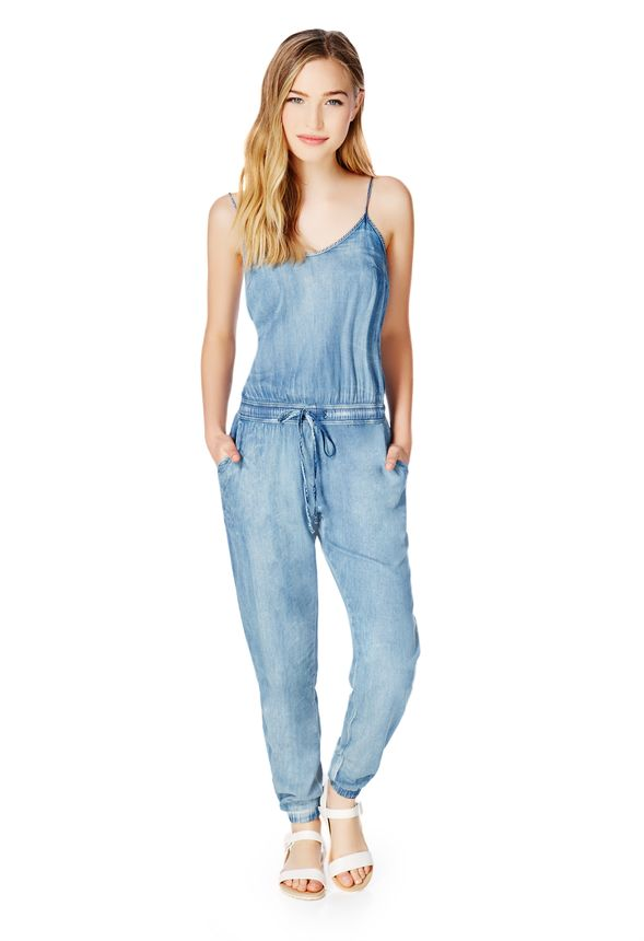 v tements chambray jumpsuit en bleu livraison gratuite sur justfab. Black Bedroom Furniture Sets. Home Design Ideas