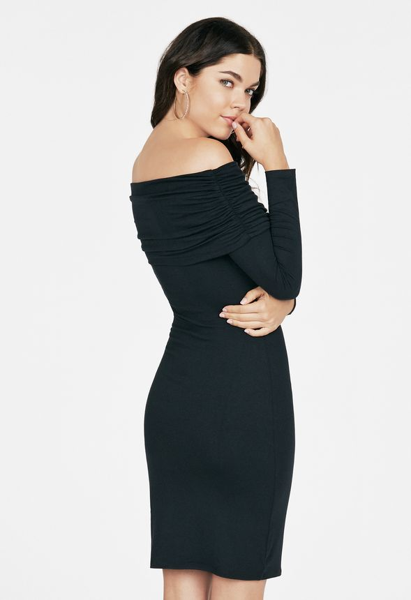 Vêtements Ruched Off Shoulder Dress En Noir Livraison Gratuite Sur