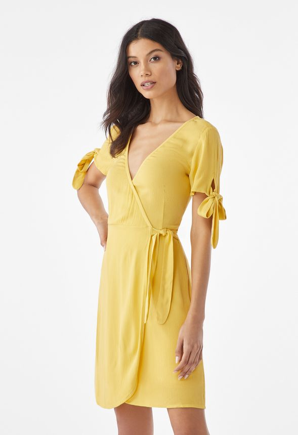 9e487ae50a32 Kläder Knot Sleeve omlottklänning i Cream/Guld - Fantastiska erbjudanden  hos JustFab