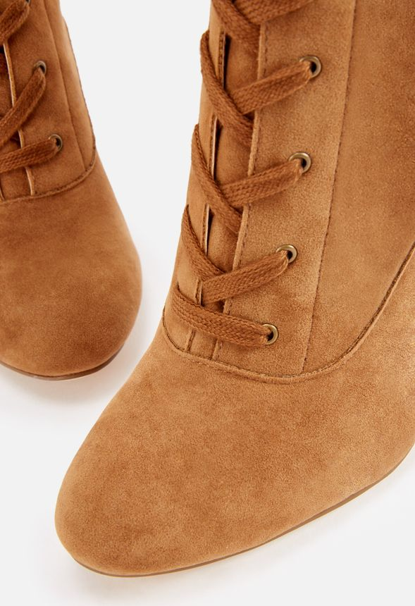 chaussures ardenne lace up heeled boot en camel livraison gratuite sur justfab. Black Bedroom Furniture Sets. Home Design Ideas