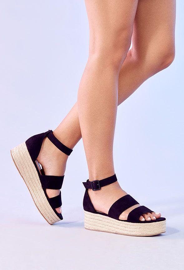 b80c9890a3d Zapatos Sandalias de cuña Elsie en Negro - Envío gratuito en JustFab