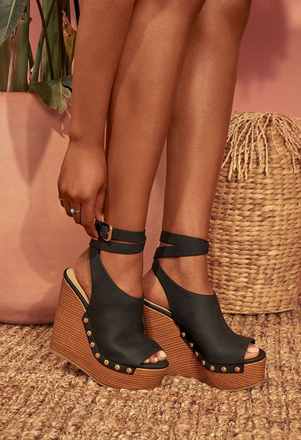 Sarahh Plateau Sandalen mit Keilabsatz Schuhe in Schwarz